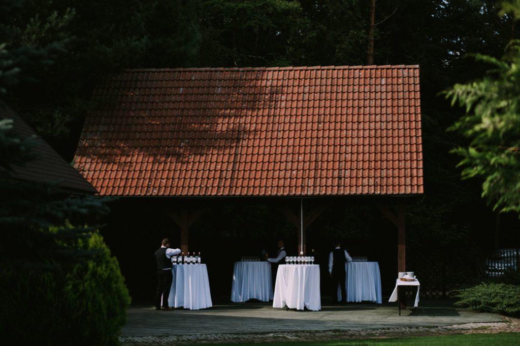 ślub w plenerze Leśniczówka Przyłęsko